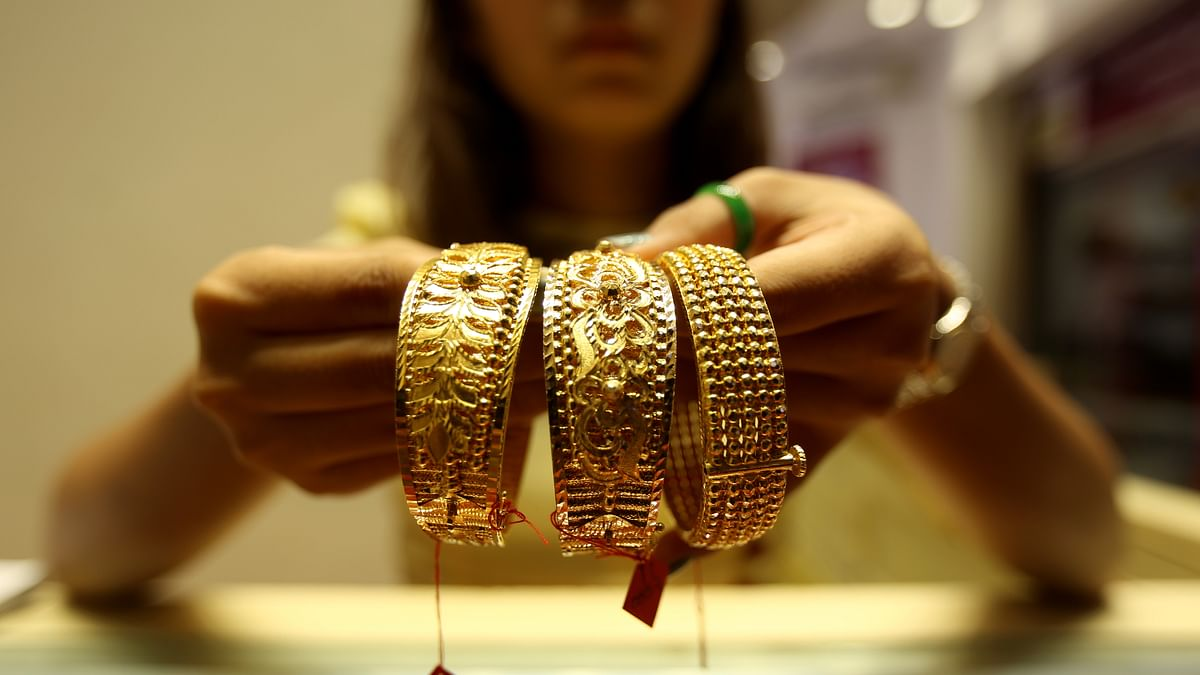 Gold touches new high over ₹40K per 10gm