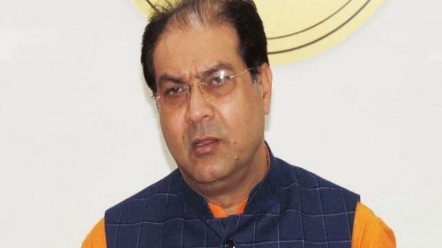 Yogi's  minister Mohsin Raza wants Muslims to wear saffron