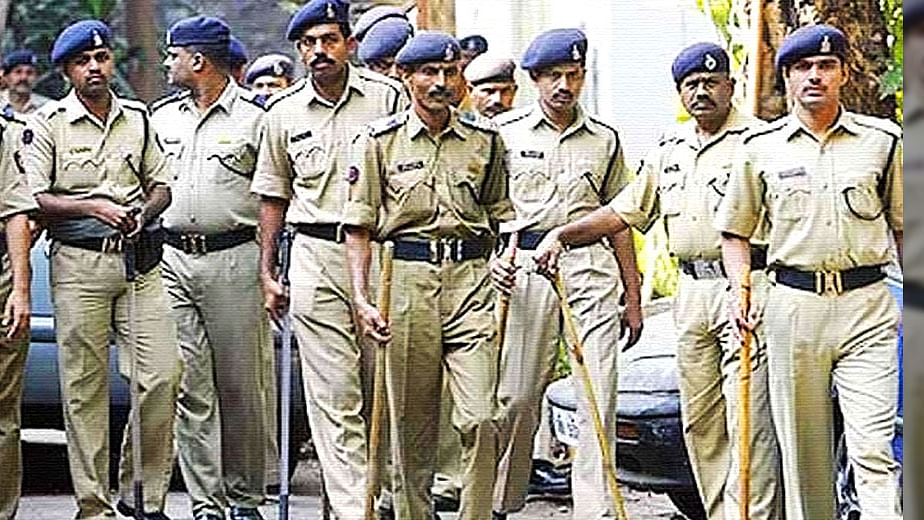 Policing woes in India: outdated weapons, lack of communication devices, transportation, plenty of funds