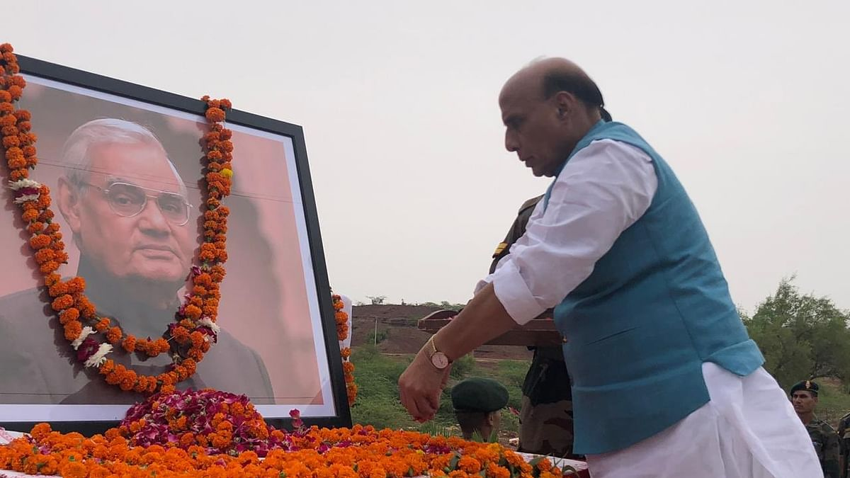 Defence Minister Rajnath Singh paying tribute to former PM Atal Bihari Vajpayee in Pokhran on Friday. (Photo courtesy: Twitter)