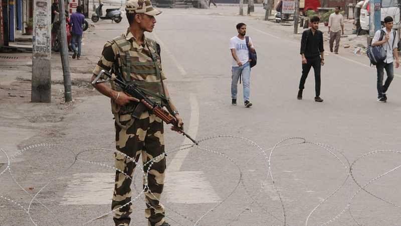 Six labourers from West Bengal shot dead in J&K's Kulgam