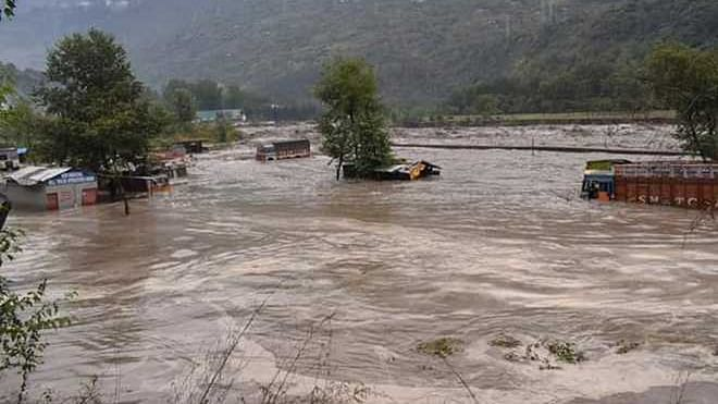 6 stuck in flash floods rescued, educational institutions closed in Kangra due to rain