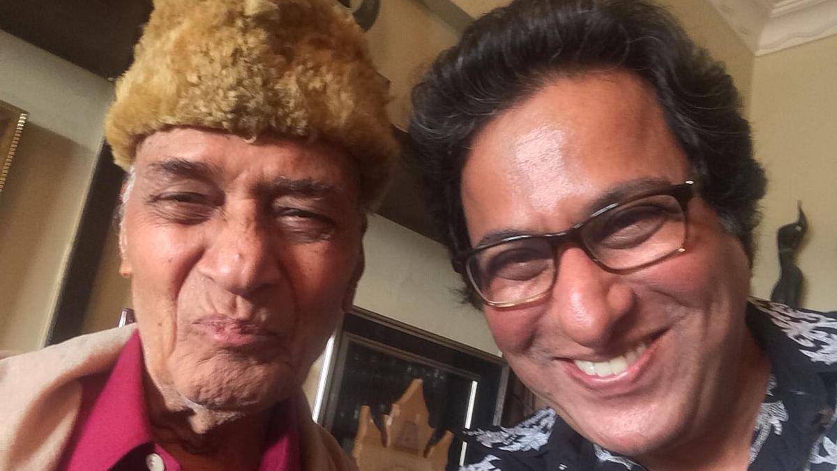 Ghazal maestro Talat Aziz mourns Khayyam's death, recalls recording his most iconic song