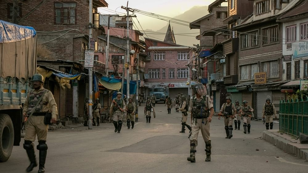 Editors Guild of India concerned over shutdown in communication links with Jammu and Kashmir