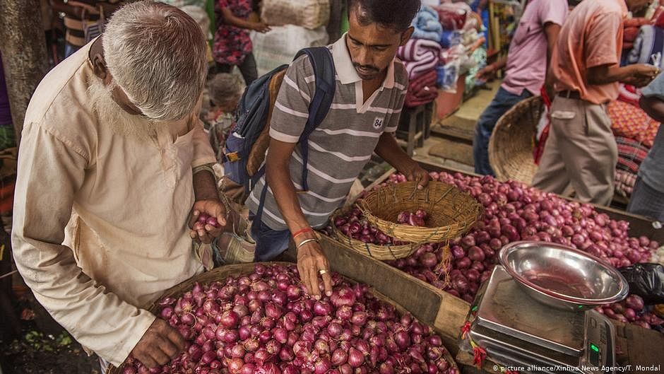 Politics of onion prices: despite a glut of onions rotting in godowns, prices remain high