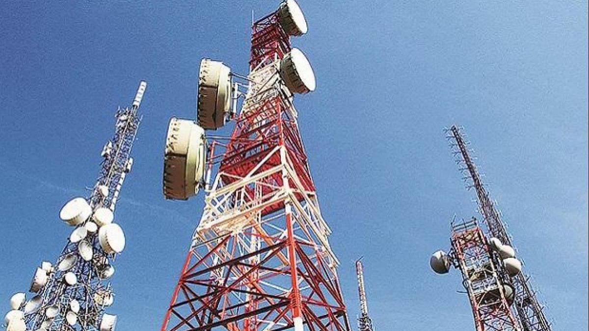 Kashmir: No phone services, yet residents receive fat bills