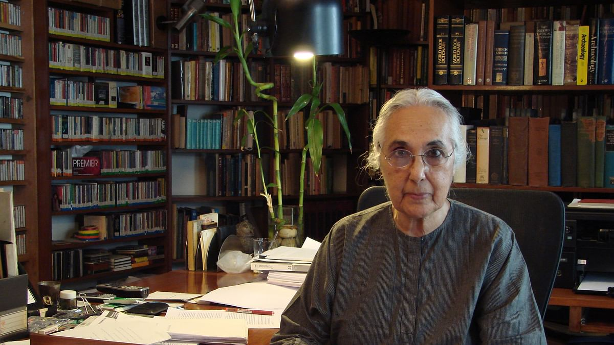 Romila Thapar refuses to share CV with JNU; Prabhat Patnaik says, idea is to humiliate and root out dissent