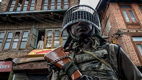 Day-time curfew eased in most parts of Kashmir; markets, internet kept shut