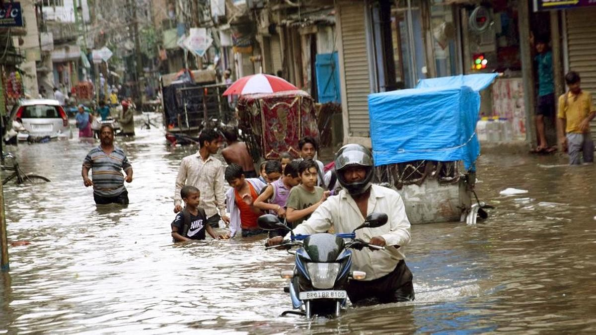 Netizens worried by incessant rains all over India