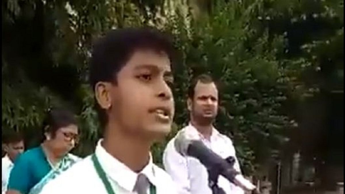 'Godse ke daur me Gandhi ke saath hun', says Class XI student from Varanasi