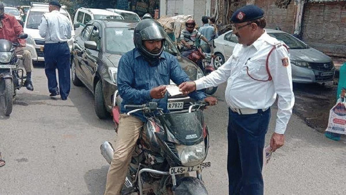 Karnataka to follow Gujarat order on cut in penalties under Motor Vehicles act