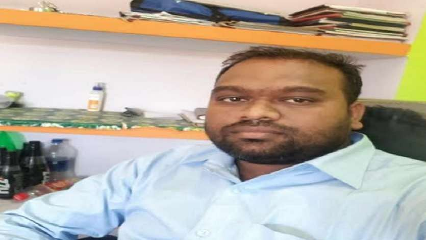 A Dalit Village Development officer (VDO) commits suicide after public humiliation by village heads