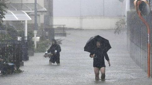 Hagibis Typhoon: Heavy rain, winds lash Tokyo as powerful typhoon hits Japan