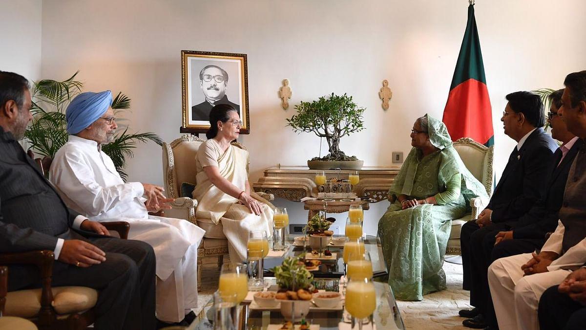 Sonia Gandhi, Manmohan Singh meet Bangladesh PM Sheikh Hasina