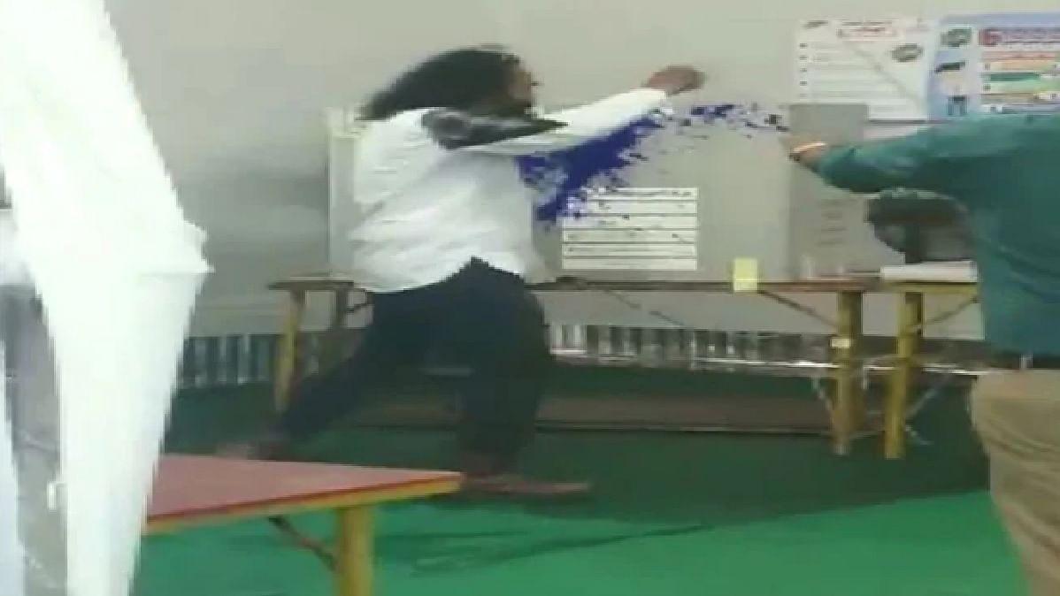 WATCH: BSP leader throws ink on EVM machine in Thane