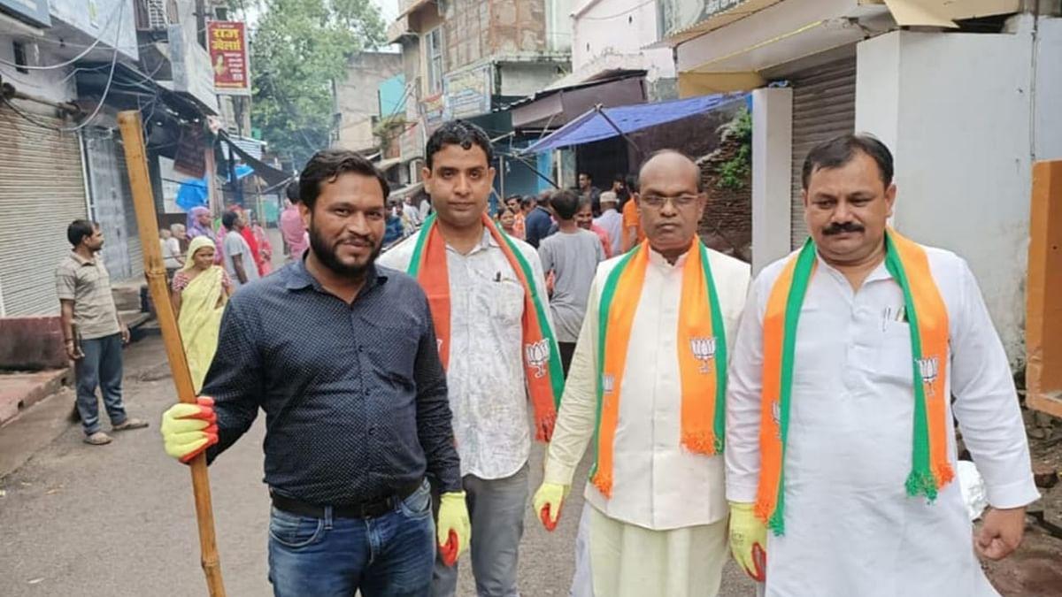 Shikhar Agarwal with Devendra Singh and Vijendra Singh