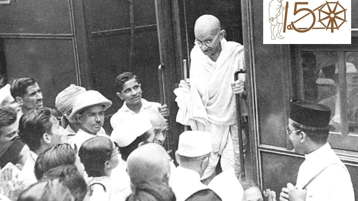 Mahatma Gandhi wasted no time even on trains