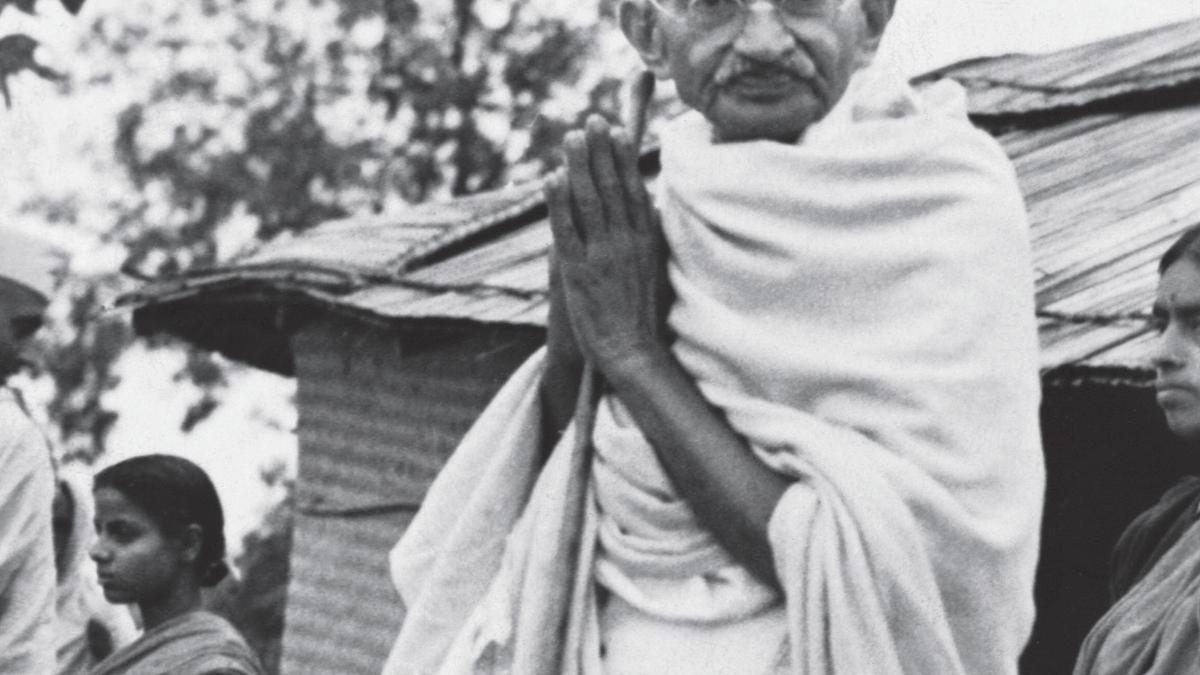 Eradicate evil of communalism, the message of Mahatma's martyrdom