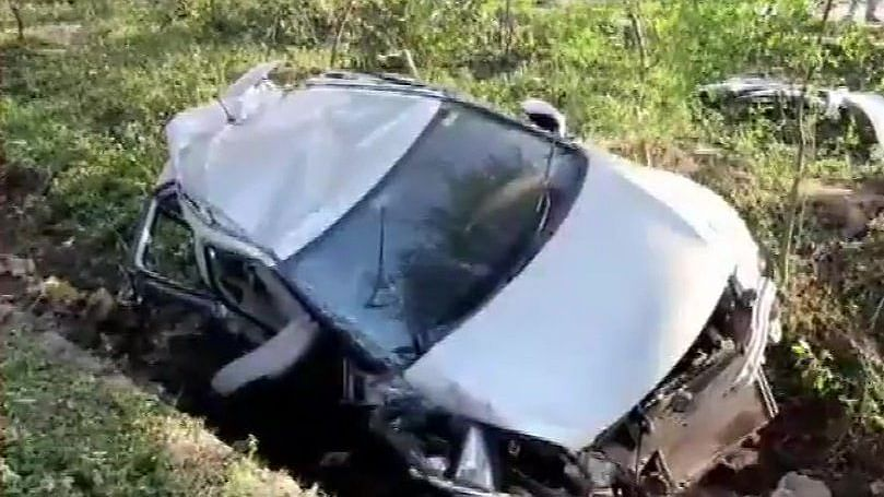 Seven killed as car collides with oil tanker on Yamuna Expressway