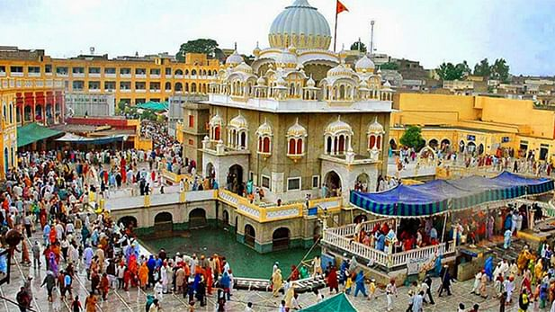Sikh devotees' procession leaves from Delhi for Nankana Sahib