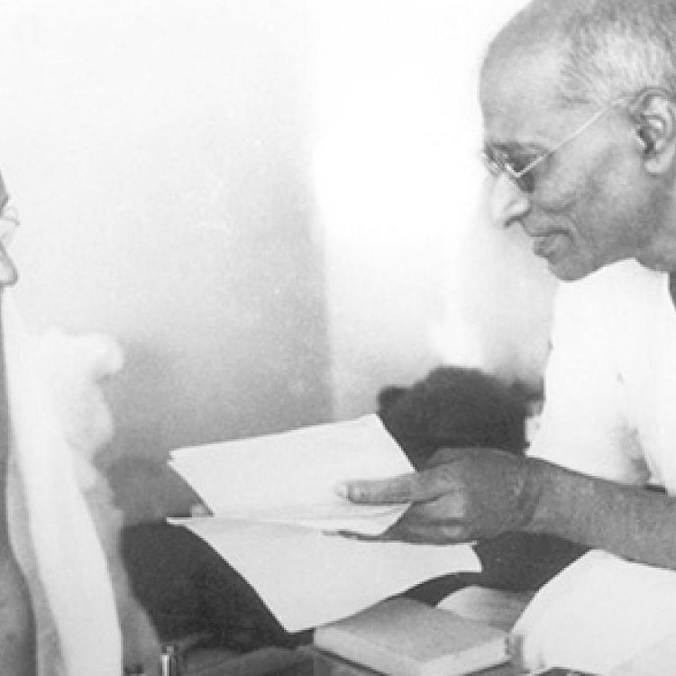 Rajaji with Mahatma Gandhi (Photo courtesy: social media)