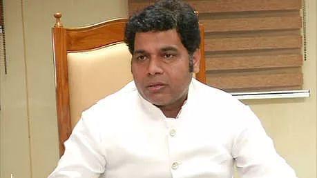 EPF scam: Congress seeks probe into UP minister's 'Dubai visit'