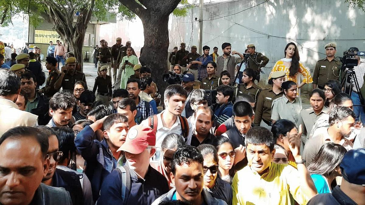 Blind JNU students manhandled by police protest outside PHQ, Delhi on 20th Nov, 2019. (Photo: N Sai Balaji)