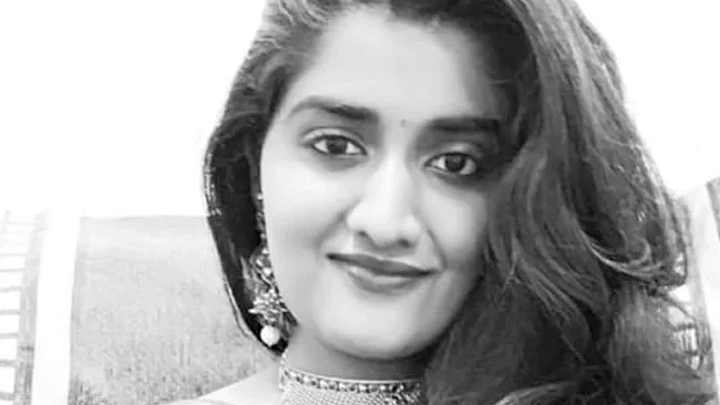 Young veterinarian murdered, set ablaze near Hyderabad