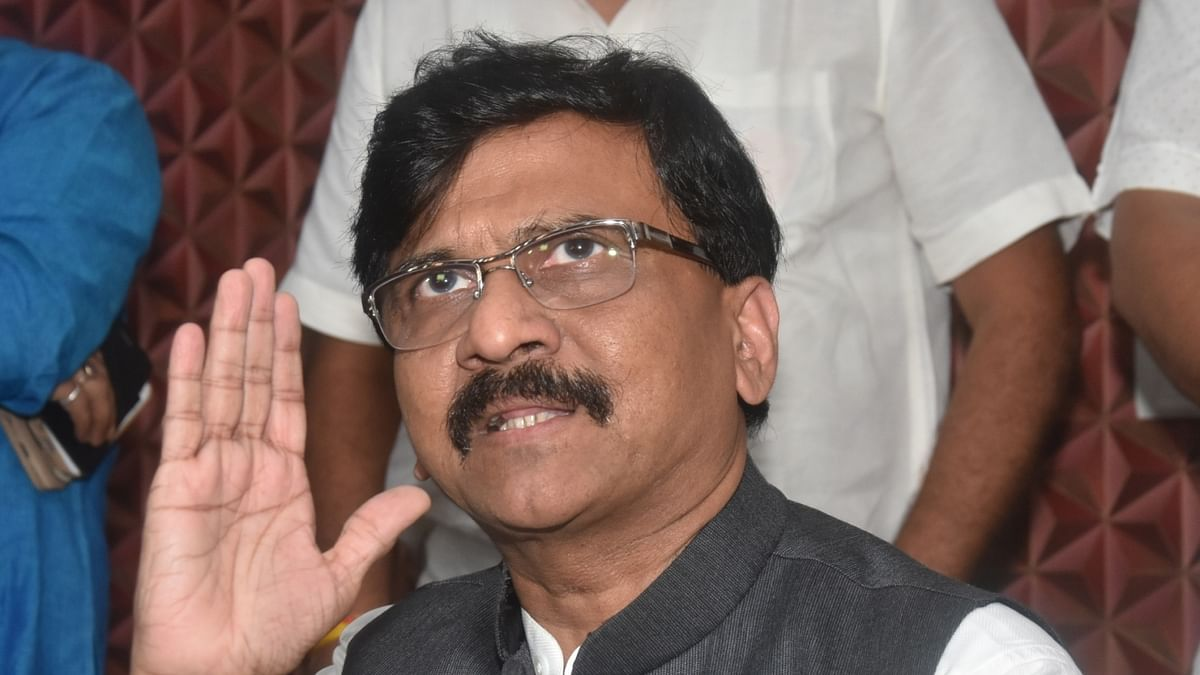 People in glass houses shouldn't pelt stones: Sanjay Raut