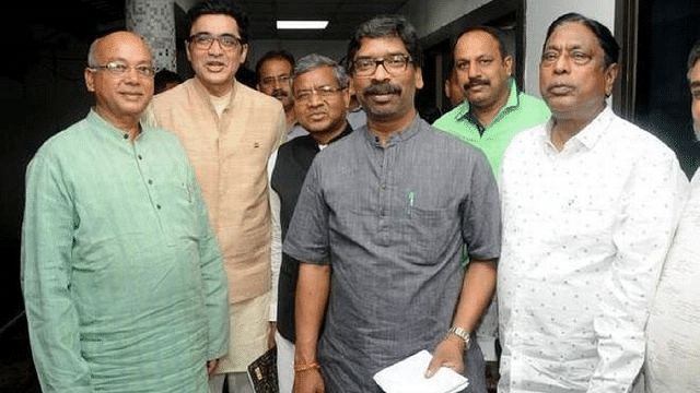 Jharkhand poll: BJP facing challenges from within