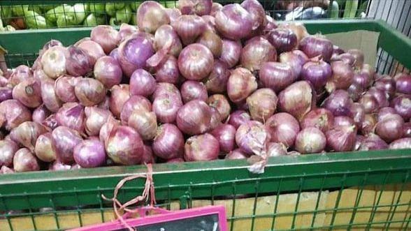 Congress attacks Modi govt on skyrocketing onion prices