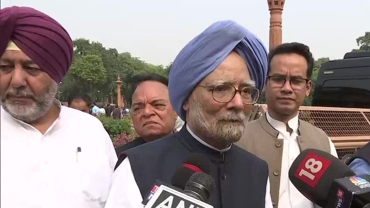 Parliament Winter Session LIVE: Proof of pudding is in eating: Manmohan Singh's dig at PM hailing Constitution