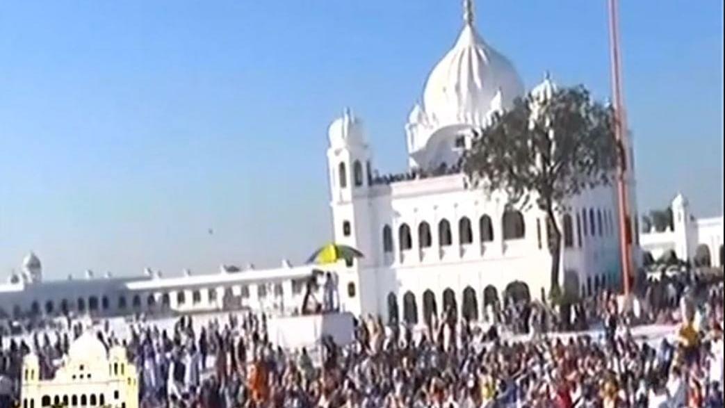 562 pilgrims visit Kartarpur gurdwara on first day, welcomed by Pak PM Imran Khan