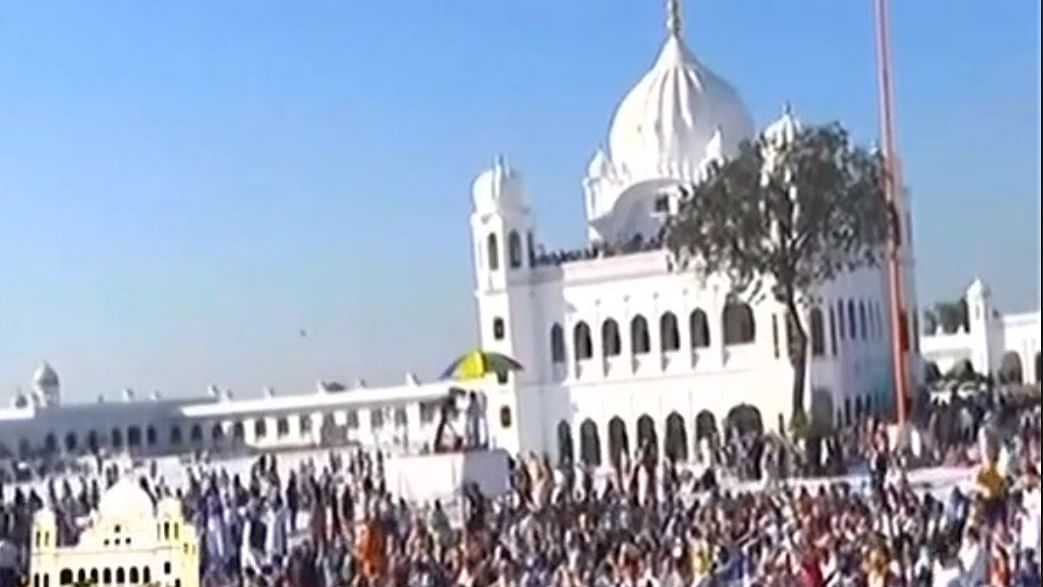 562 pilgrims visit Kartarpur gurdwara on first day, welcomed by Pak PM Imran Khan