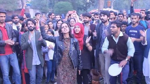 WATCH: Pakistani students sing song of freedom, video goes viral