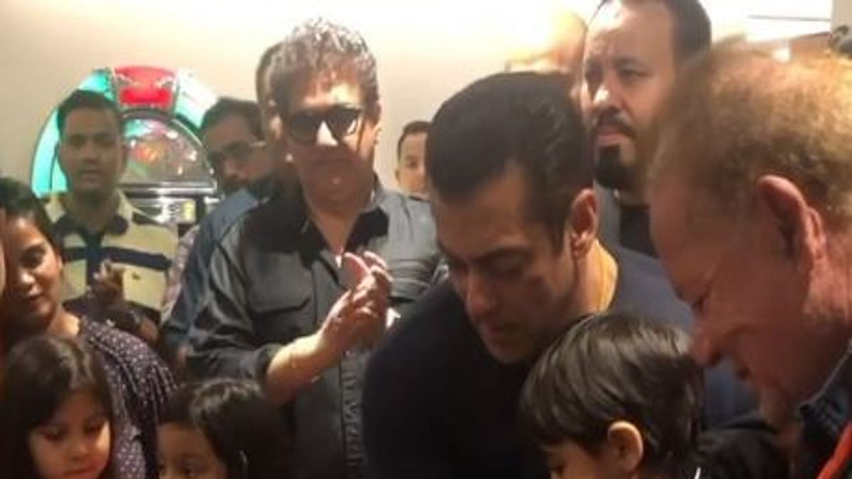 Happy Birthday Salman Khan: Here is how Bollywood wished him