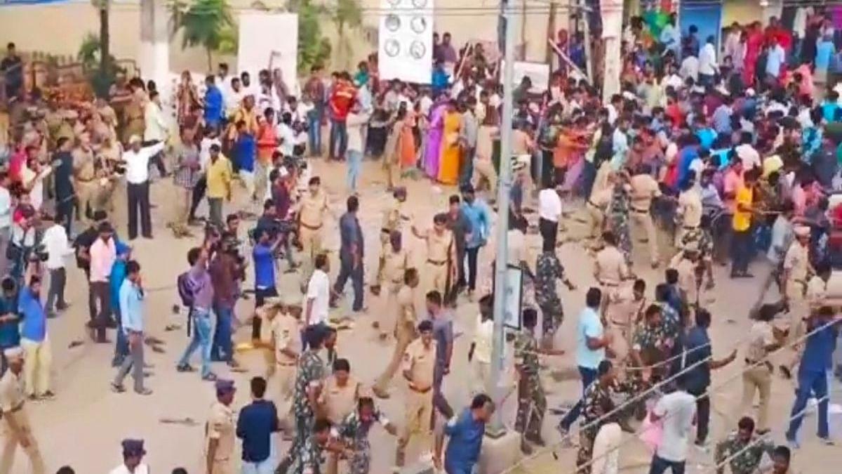 Telangana police hailed for killing rape accused