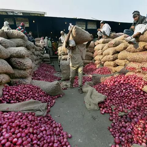 Rise in onion prices: A cooperative movement for veggies need of the hour