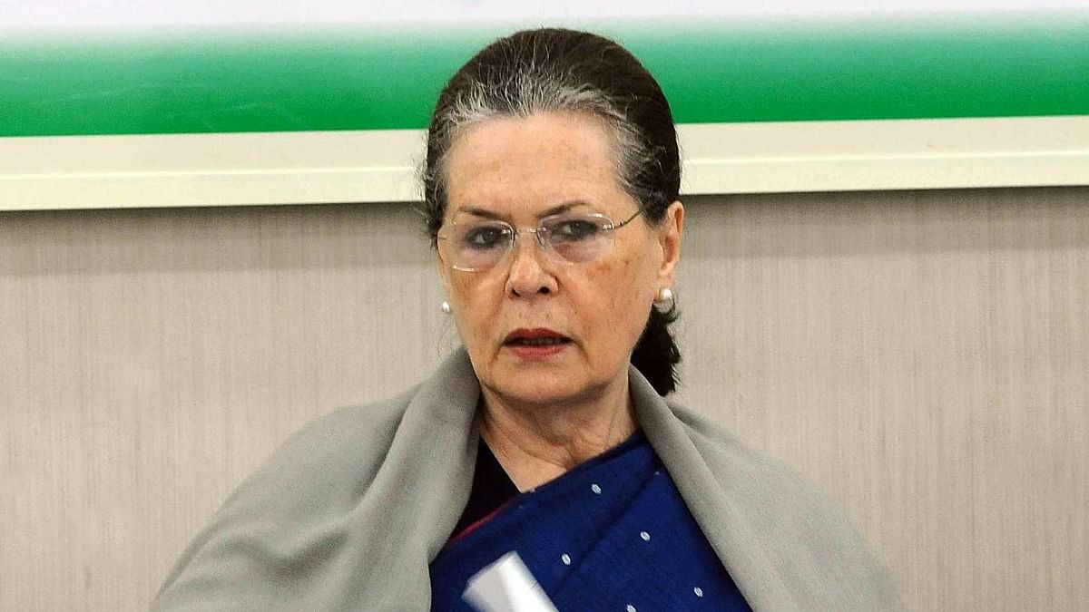 Coronavirus LIVE: Cong President Sonia Gandhi has suggested 5 ways to PM Modi to fight covid 19, says Priyanka