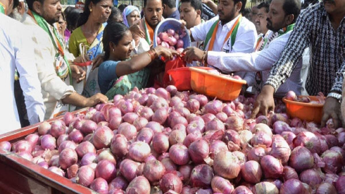 """Many states not keen to take imported onions as taste is different from homegrown ones, Centre """"worried"""""""