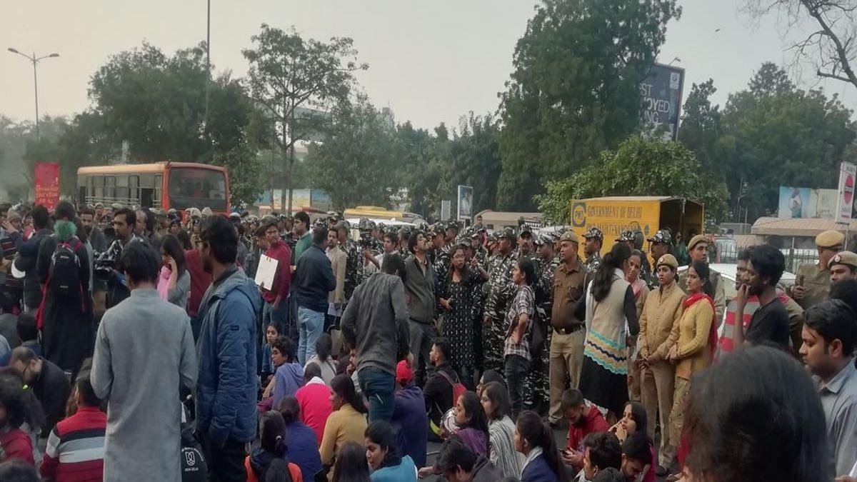 Hostel fee hike row: JNUSU office-bearers meet HRD ministry officials