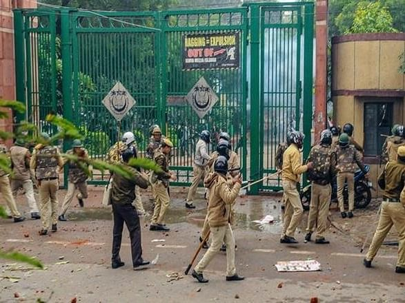 LIVE News Updates: Delhi police filed charge sheet in 15 Dec'19 Jamia violence case on Feb 13