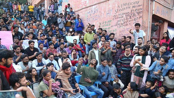 JNU: Students protest while JNU admin invokes rulebook on academic requirements for students