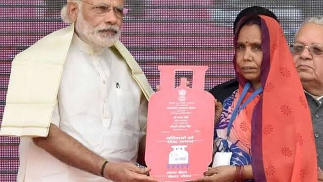 LPG refill declines in PM Modi's flagship Ujjwala Yojana, cylinders diverted for commercial use: CAG
