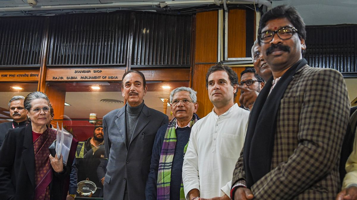 Congress president Sonia Gandhi, party leaders Rahul Gandhi and Ghulam Nabi Azad, Left leaders Sitaram Yechury and D Raja, Jharkhand CM Hemant Soren and others after an Opposition meet to discuss current political situation, Jan 13, 2020. (PTI)