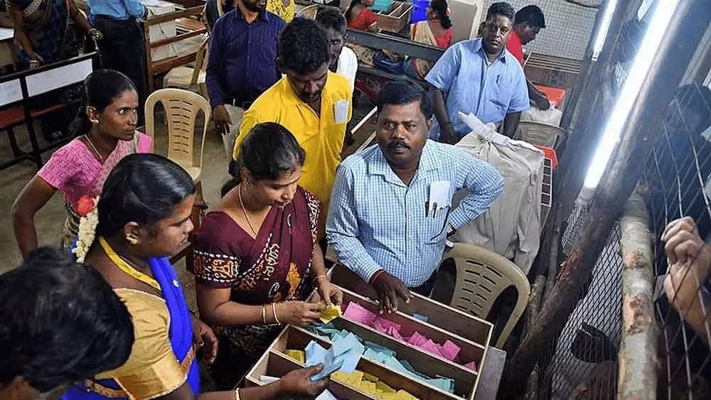 Tamil Nadu rural local polls: DMK alliance leads, AIADMK trails