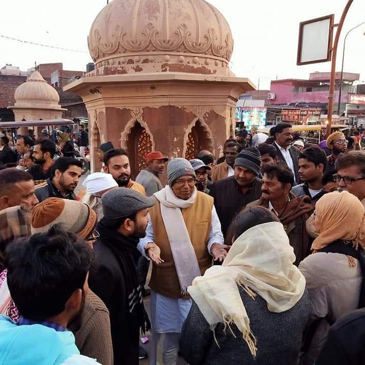 Rihai Manch chairman advocate Muhammad Shoaib at Ghanta Ghar, Lucknow