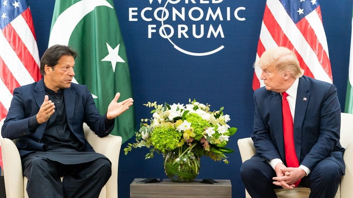 United States President Donald Trump, right, meets with Pakistan Prime Minister Imran Khan, left, at Davos, Switzerland, on Tuesday, January 21, 2020