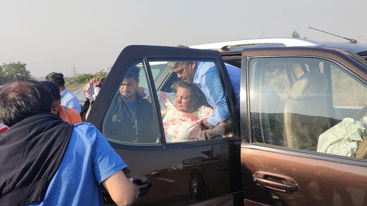 Shabana Azmi hurt in road accident on Mumbai-Pune Expressway