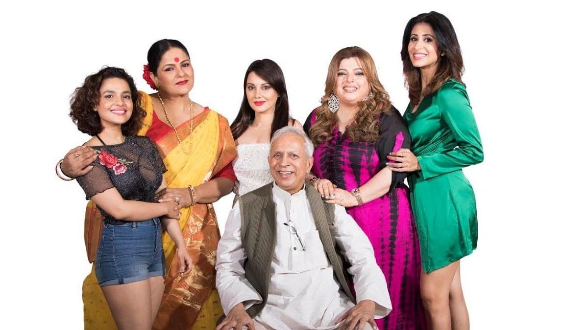 "Five gorgeous actresses perform ""Hello Zindagi"" directed by Raman Kumar on January 26"